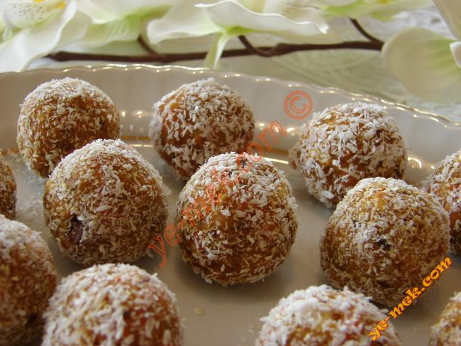 Carrot Biscuits Balls Recipe (Turkish Cuisine)