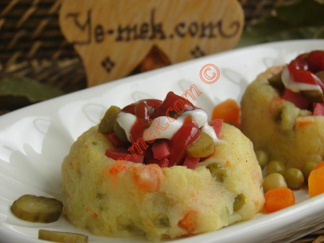 Kumpir - Baked Potato Recipe (Turkish Cuisine)