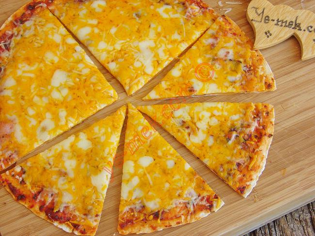 Tortilla Pizza With 4 Cheese Recipe | Recipes (From Turkish ...