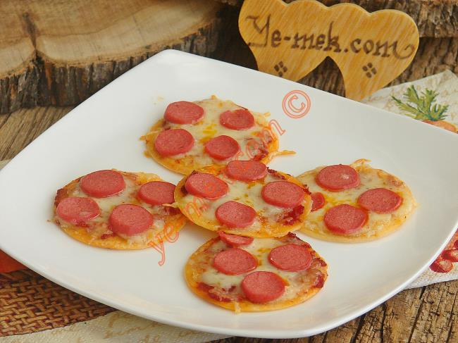Mini Tortilla Pizzas Recipe